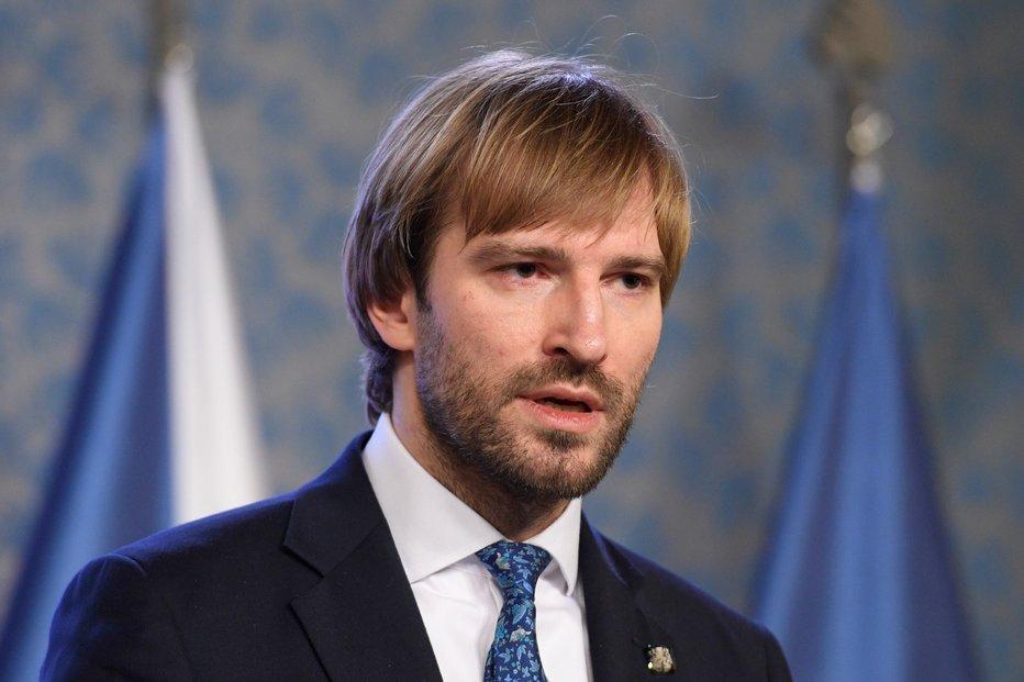 Ministr zdravotnictví Adam Vojtěch na tiskové konferenci po jednání vlády o nových opatřeních k zamezení šíření koronaviru.