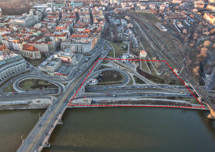 Praha zvažuje umístění moderního sálu v lokalitě Bubny – Zátory (poblíž metra Vltavská).