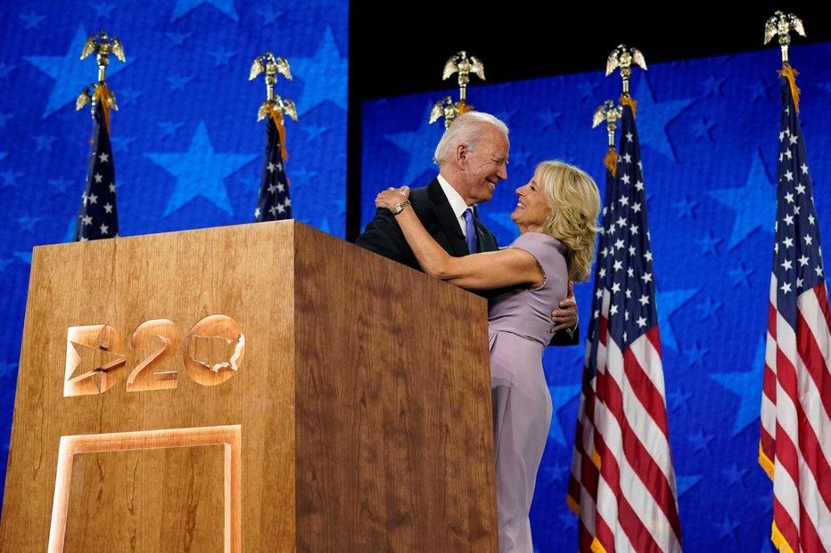 Joe Biden přijal nominaci Demokratické strany do souboje o Bílý dům.