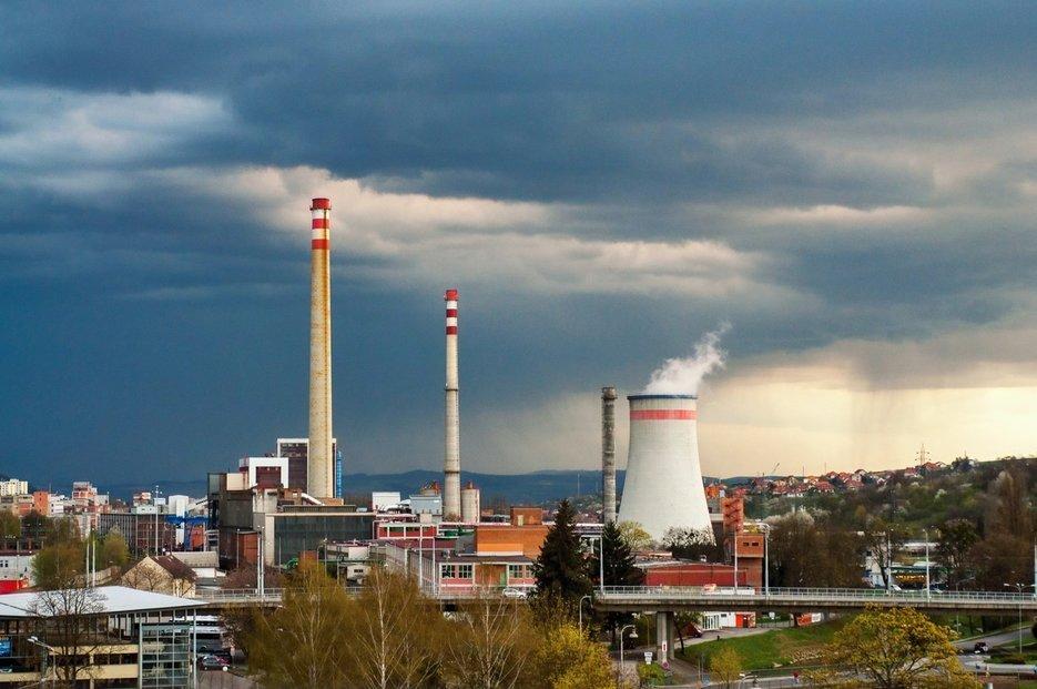 Uhelné zdroje v Česku pokrývají zhruba šeddesát procent výroby tepla.