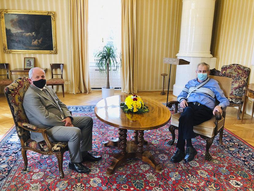 Nový ministr zdravotnictví Roman Prymula a prezident Miloš Zeman