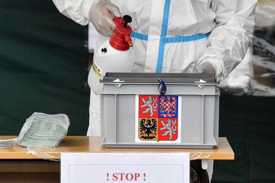 Žádné volby nejsou zbytečné, ani ty krajské či senátní. Bez ohledu na obvykle nízkou volební účast, která teď může být kvůli koronavirové krizi ještě nižší. I vnich jde o hodně.