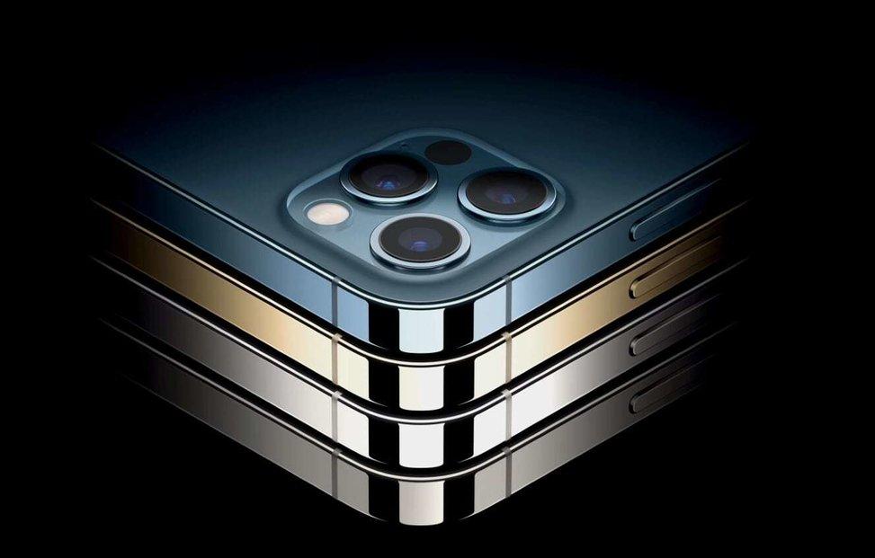 Zelenou iPhonů 11 Pro nahradila tichomořsky modrá.