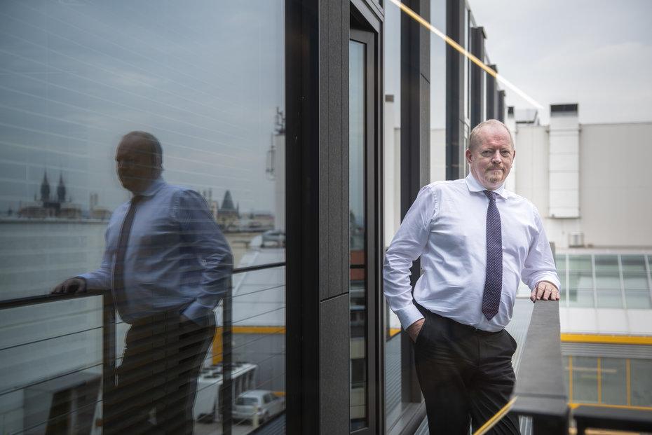 Richard Wilkinson strávil tři dekády v centrále bankovní skupiny Erste ve Vídni.