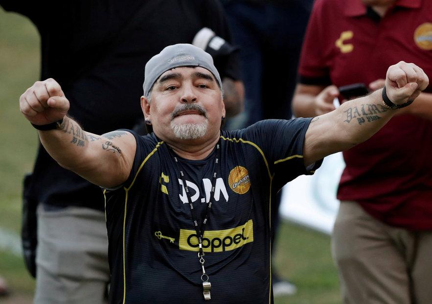 Diego Maradona po operaci zůstává v nemocnici. Snímek z listopadu 2020.