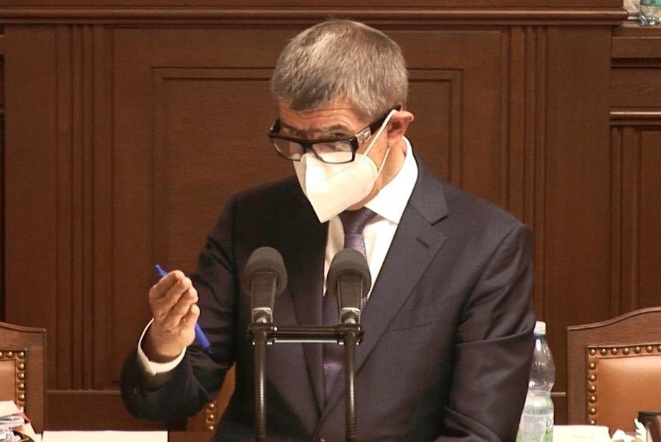 Andrej Babiš (ANO) během interpelací ve Sněmovně (12.11.2020)