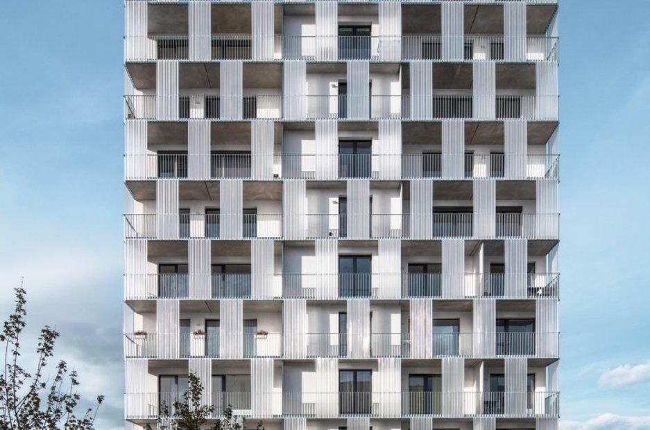 """Podle hodnotitelů """"v plné míře naplňuje požadavky na stavbu vyváženou z hlediska užitné hodnoty, designu a nízkých provozních nákladů,  a představuje tak jednu z plnohodnotných cest pro budoucí velké i menší stavební projekty."""""""