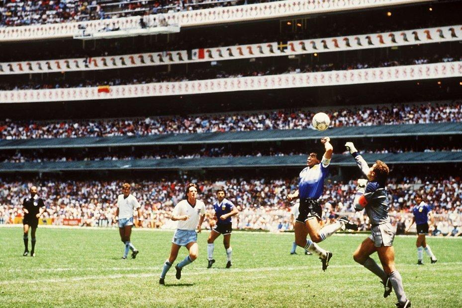 Diego Maradona v dobách největší slávy.