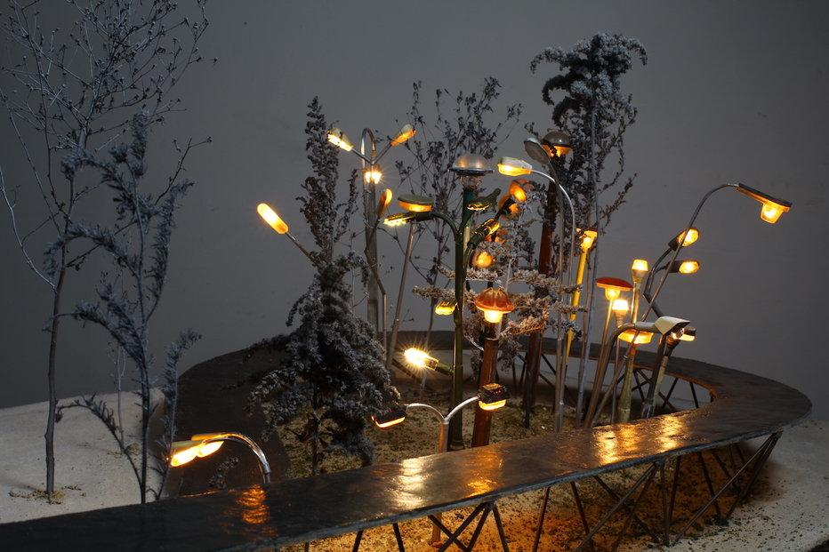 Smíchovské předpolí nového mostu architektů z Atelieru 6 doplní svou světelnou instalací výtvarník Krištof Kintera