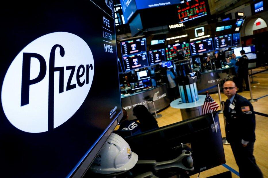 Světové burzy nakoply zprávy o účinnosti vakcín společností Pfizer a Moderna