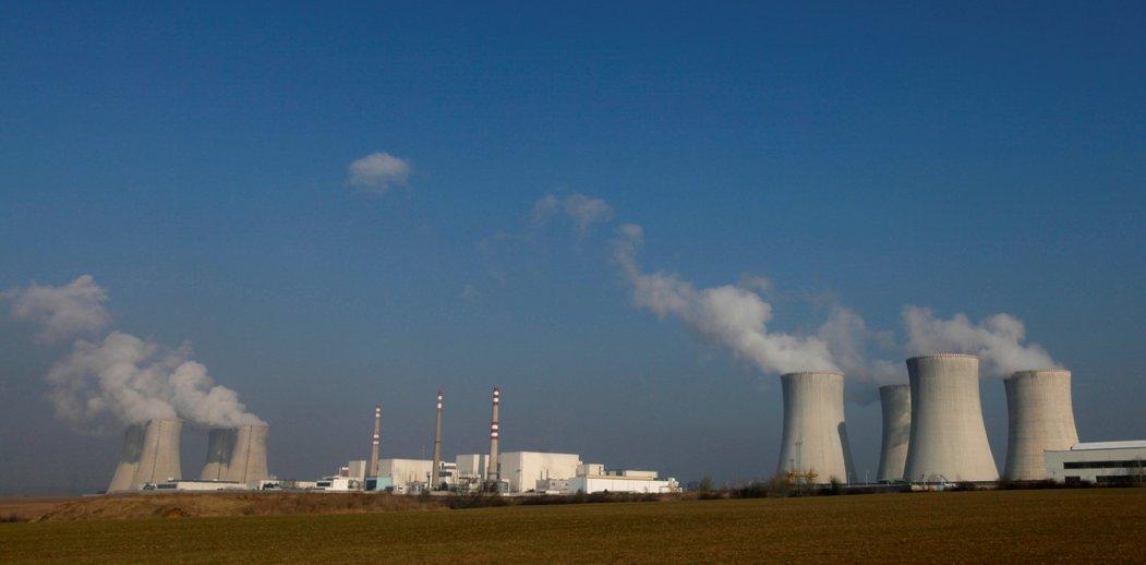 Taková změna ve výpočtu by však podle odvolaného vládního zmocněnce pro jadernou energetiku Jaroslava Míla nebyla správná a aninení obvyklá.