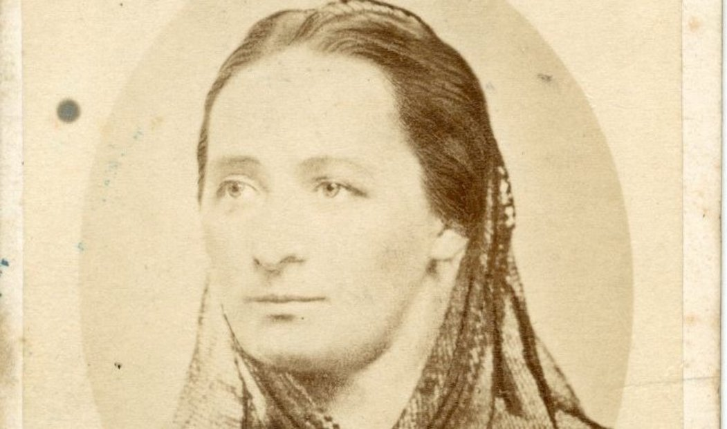 Veřejnosti asi nejznámější fotografie Boženy Němcové je z let 1845 až 1848, kdy pobývala na Chodsku.