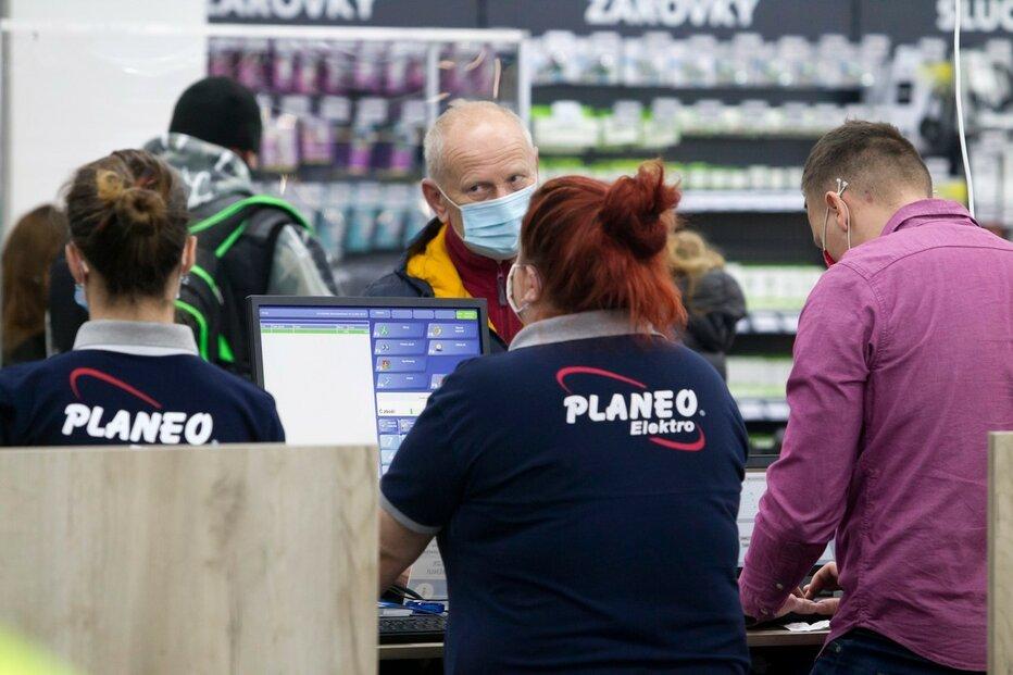 Plzeňská prodejna řetězce Planeo Elektro