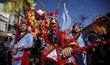 Asie se připravuje na příchod nového čínského roku. V ulicích propukají oslavy