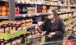 Německý supermarket v době koronavirové pandemie. (květen 2020)