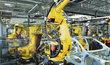 Nejvíc aut se vyrábí pod logem Škoda Auto. Škodovka je vyrábí v Mladé Boleslavi, Kvasinách a Vrchlabí