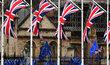Už za několik týdnů pro Británii definitivně přestanou platit pravidla Evropské unie. Pokud nedojde k dohodě, vzájemný obchod se bude řídit pravidly Světové obchodní organizace. To může vést ke zdražení mnoha druhů zboží.