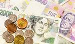 Banky úročení spořicích účtů ani hypoték zatím neměnily