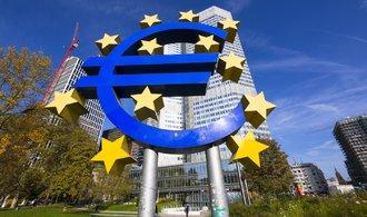 Evropská centrální banka dál nakupuje dluhopisy, s koncem volnější měnové politiky otálí