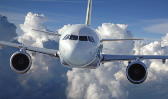 Nároky na piloty se snižují. Do kokpitu mohou už za rok a půl