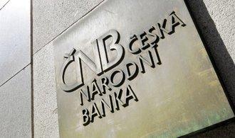 ČNB růst inflace překvapil, opustí intervence dříve, tvrdí ekonom Kovanda