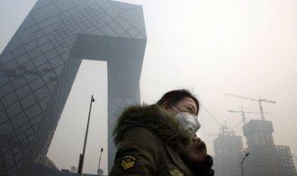 Čína vynaloží miliardy dolarů kvůli znečištěnému ovzduší, nejspíš si tím ale zpomalí růst HDP