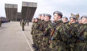 Do kurzu pro armádní dobrovolníky nastoupilo jen 16 lidí. Vojsko má omezené výcvikové kapacity