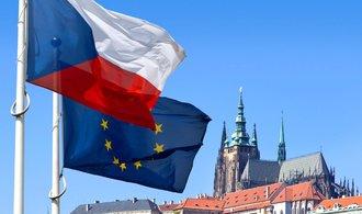 Čistý trestní rejstřík už nestačí. Získat občanství v Česku bude těžší