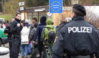 Německo zpřísní deportaci uprchlíků, úřady budou moci kontrolovat jejich telefony