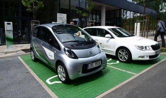 ČEZ si jde do Bruselu pro dotaci na rychlodobíječky elektromobilů