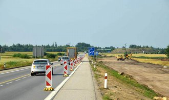 Sobotka: Rostoucí ekonomiku brzdí dopravní infrastruktura