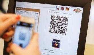 V Globusu půjde zaplatit QR kódem, na NFC platby mobilem se stále čeká