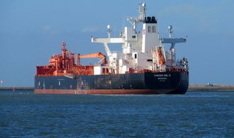 Írán by mohl vypravit první tanker s ropou pro Evropu