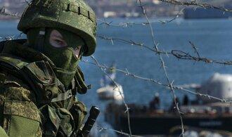 Na Krymu jsme předloni měli 9000 vojáků, přiznal ruský vyslanec v EU