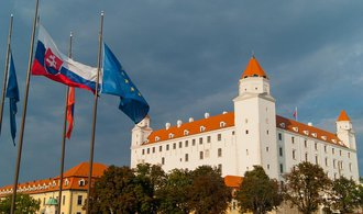Slovensko se dál noří do deflace, dosahuje 0,6 procenta