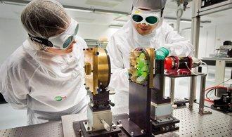 Ministerstvo školství nadělí miliardy českému výzkumu a školám