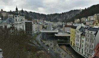 Rusové v Česku propagují autoritářství a lobbují v parlamentu, uvádí zpráva