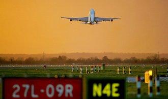 Brexit bez dohody by zastavil růst letecké dopravy, uvádí asociace letišť