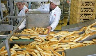 Češi loni snědli méně pečiva i masa. Za potraviny utratili přes 24 tisíc