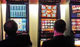 Senát schválil regulaci hazardu, kritici se chtějí obrátit na Ústavní soud