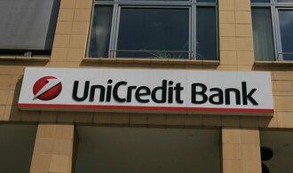UniCredit klesl zisk o pětinu, banka to připisuje nákladné restrukturalizaci