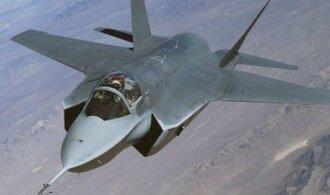 Zájem o letadla F-35 zvedl příjmy Lockheedu nad očekávání