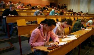 Univerzity žalují ministerstvo školství kvůli šikaně u eurodotací