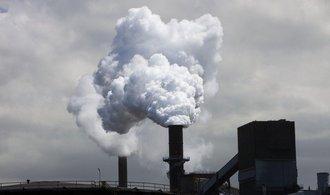 Miliardy z povolenek míří do budov a tepláren