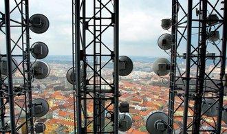 Satelitní operátoři spustili masivní kampaň proti Sobotkovi
