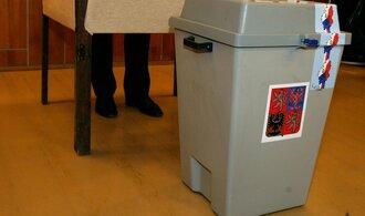 Volby 2013: Bílé pláště, vzpěrač či otec slušovického zázraku. Vyberte si