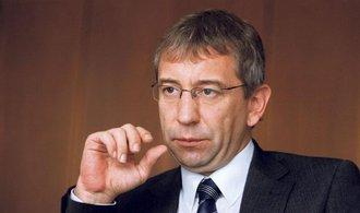 ČSSD chce od Drábka slyšet, jestli má finanční podíl v projektu sociální karty