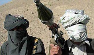 Pákistánská tajná služba pomáhá Tálibánu, tvrdí NATO