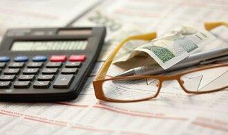 Bankovní poplatky: Nejhůř jsou na tom malé firmy a charita
