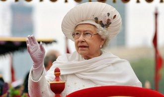 Alžběta II. vyzvala Skoty, aby před referendem pečlivě přemýšleli